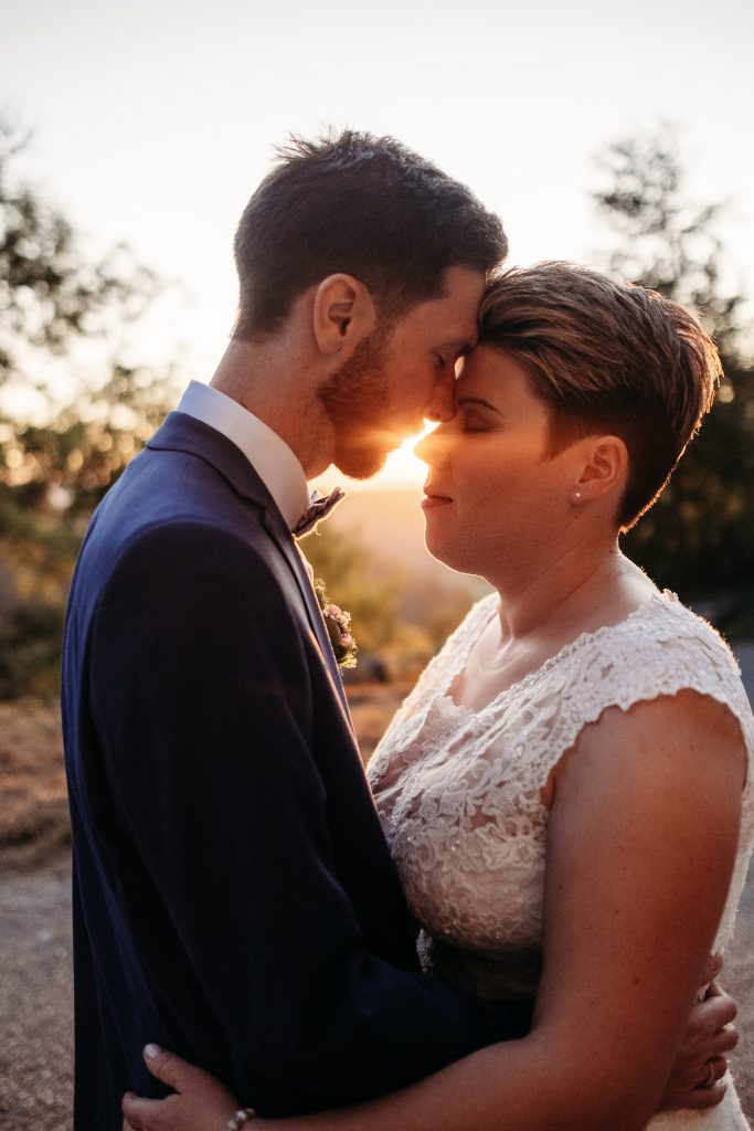 Beim Brautpaarshooting bei Sarah und Manu war einfach alles perfekt. Ein gigantischer Sonnenuntergang und ein wunderschönes Paar.